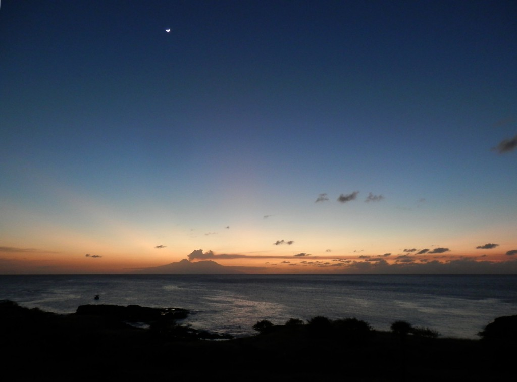 Sonnenuntergang hinter Fogo, Tag 3 des Vulkanausbruchs 2014. Foto: Christian Fu Müller